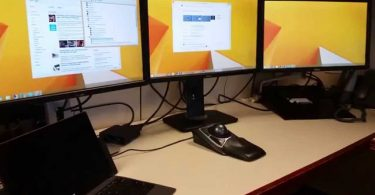 hook up 3 monitors to a laptop docking station